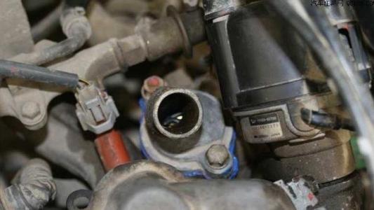 小汽车水箱风扇不转是什么问题,汽车风扇不转了原因分析及解决办法